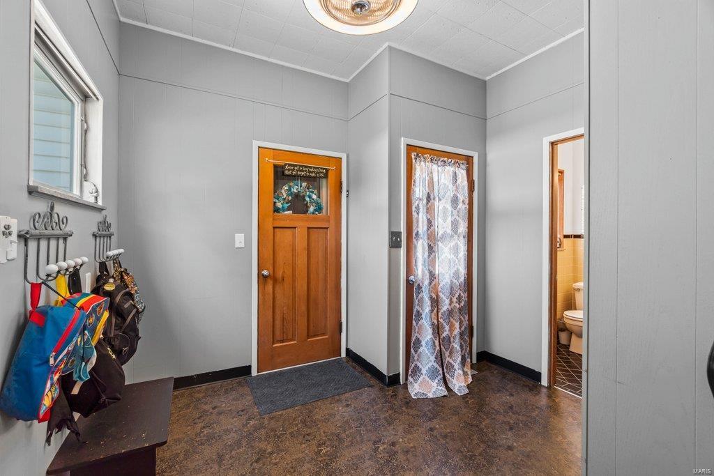 614 S Main Street Property Photo 17