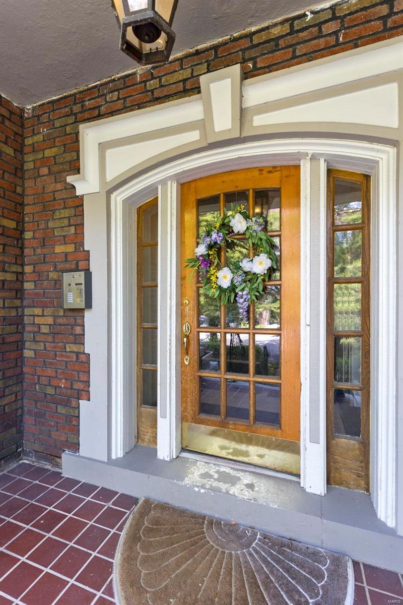 6308 South Rosebury Condo Real Estate Listings Main Image