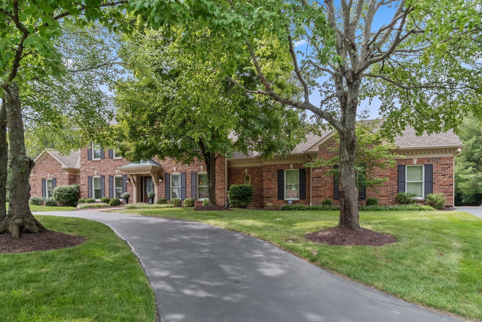 Arlington Oaks Real Estate Listings Main Image