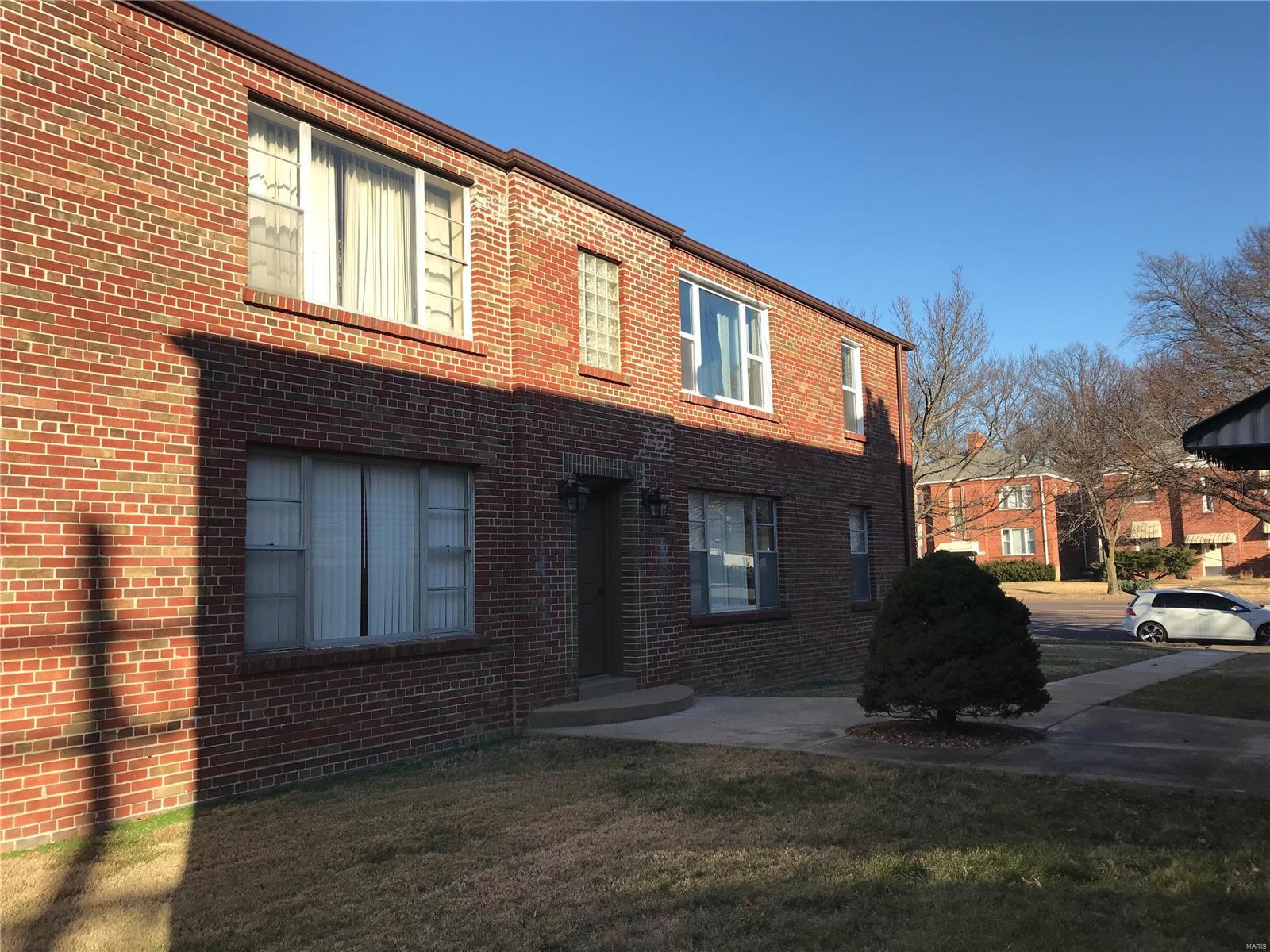 3951 Jamieson Ave Property Photo 1