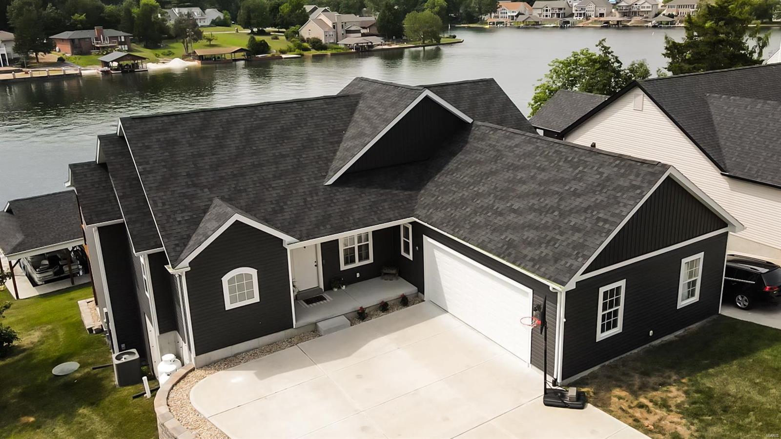 9801 East Vista Drive Property Photo 1