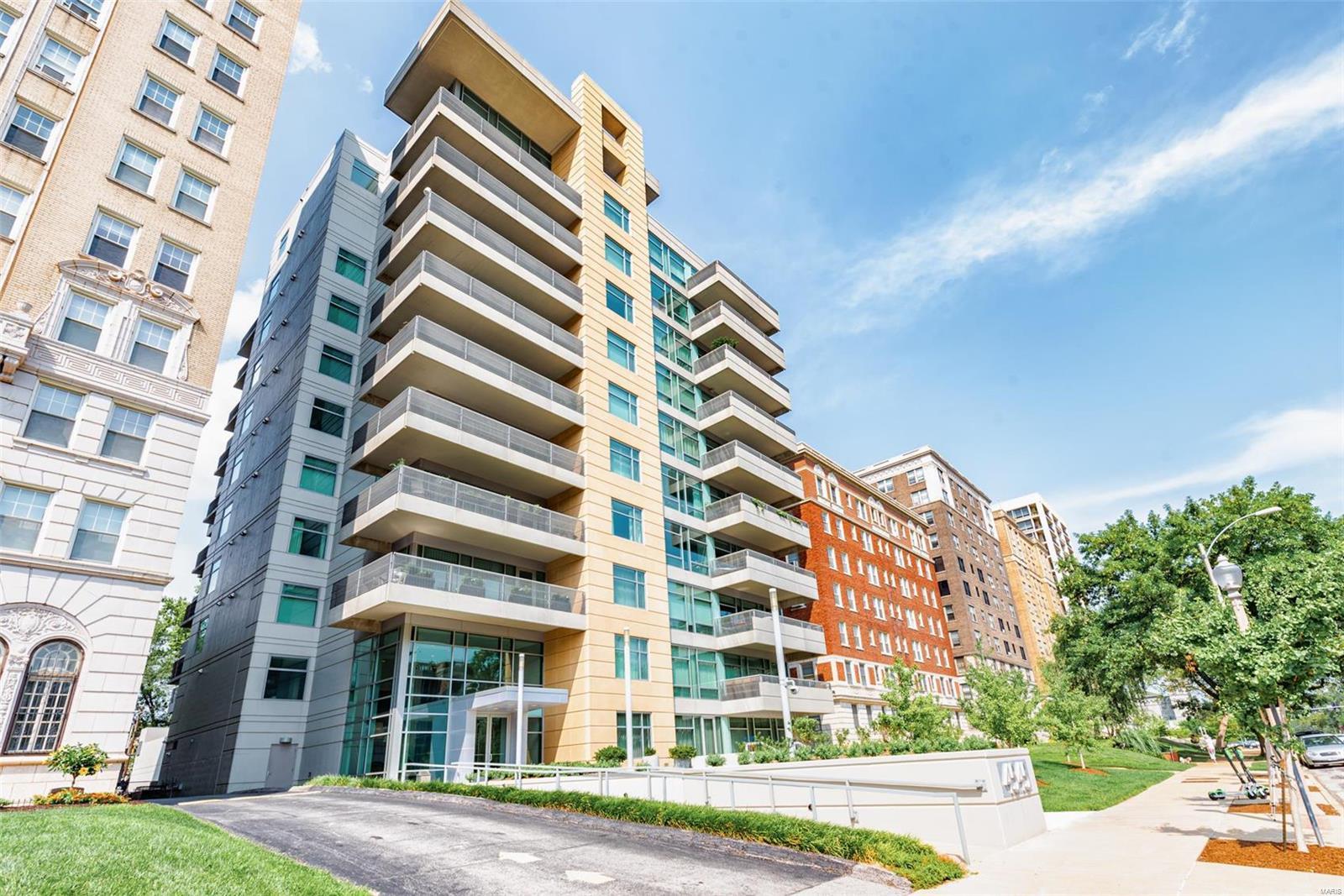 4545 Real Estate Listings Main Image