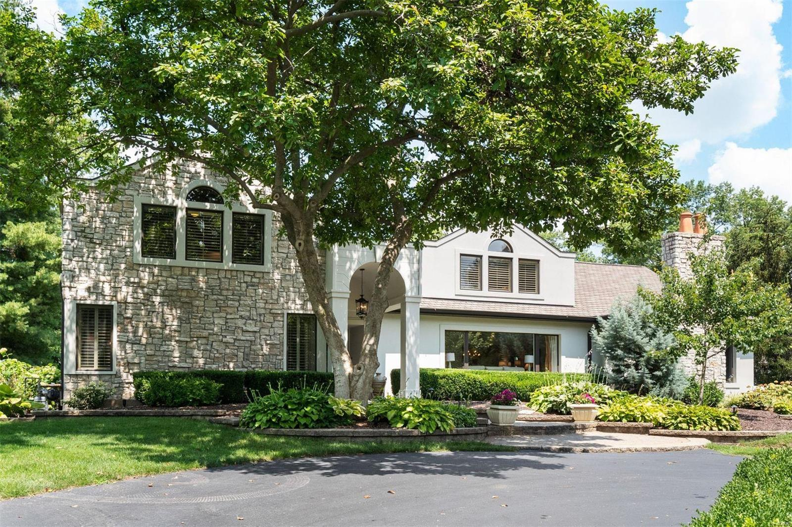 9 Frontenac Estates Drive Property Photo 1