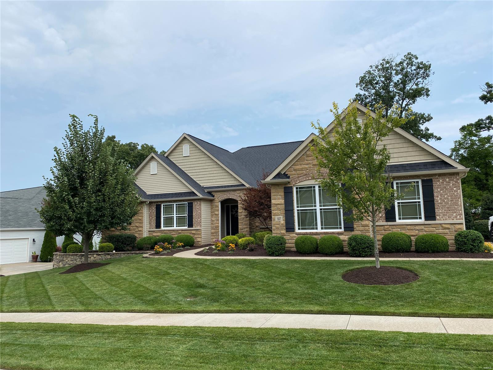 107 Castlewood Estates Drive Property Photo 1