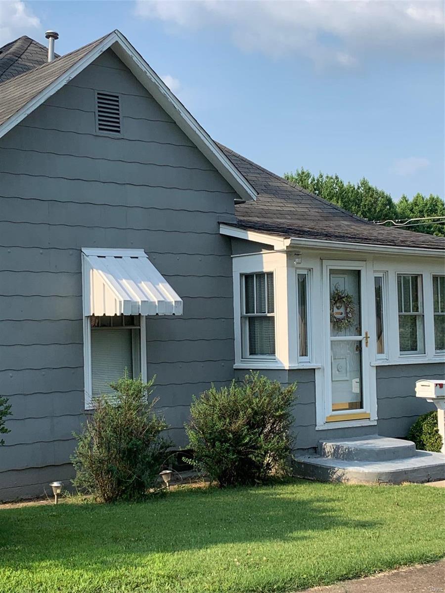 W 1501 Adams Street Property Photo 1