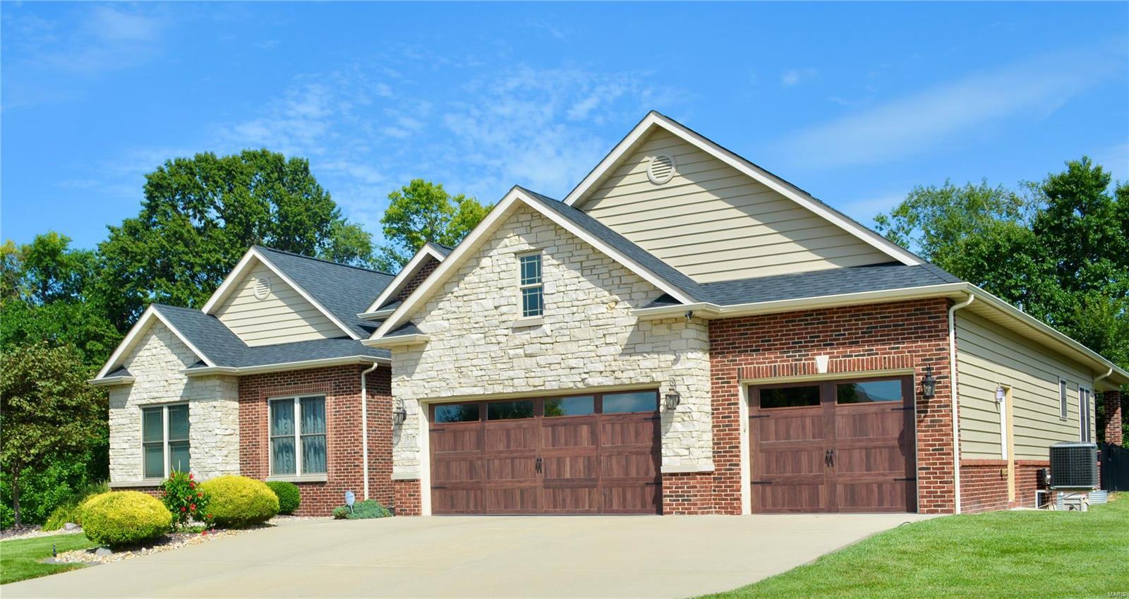 Arbor Lake Final Real Estate Listings Main Image