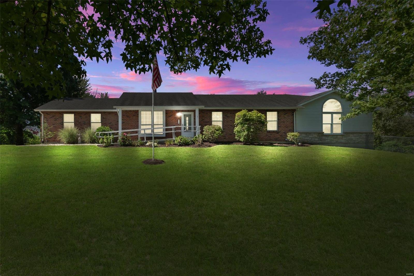 13 Meadow Ridge Drive Property Photo 1