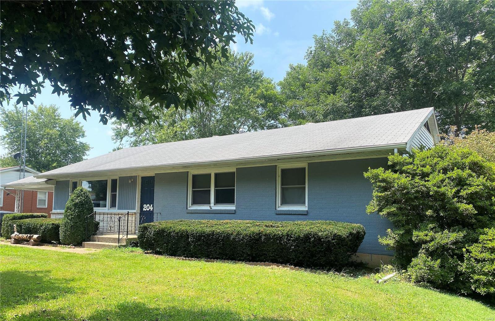 204 Lee St. Property Photo 1