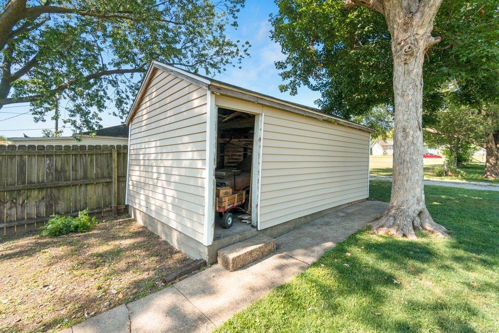 318 N West Property Photo 32