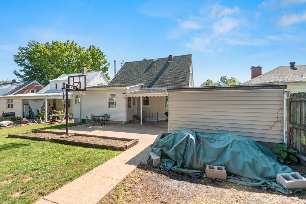 318 N West Property Photo 33