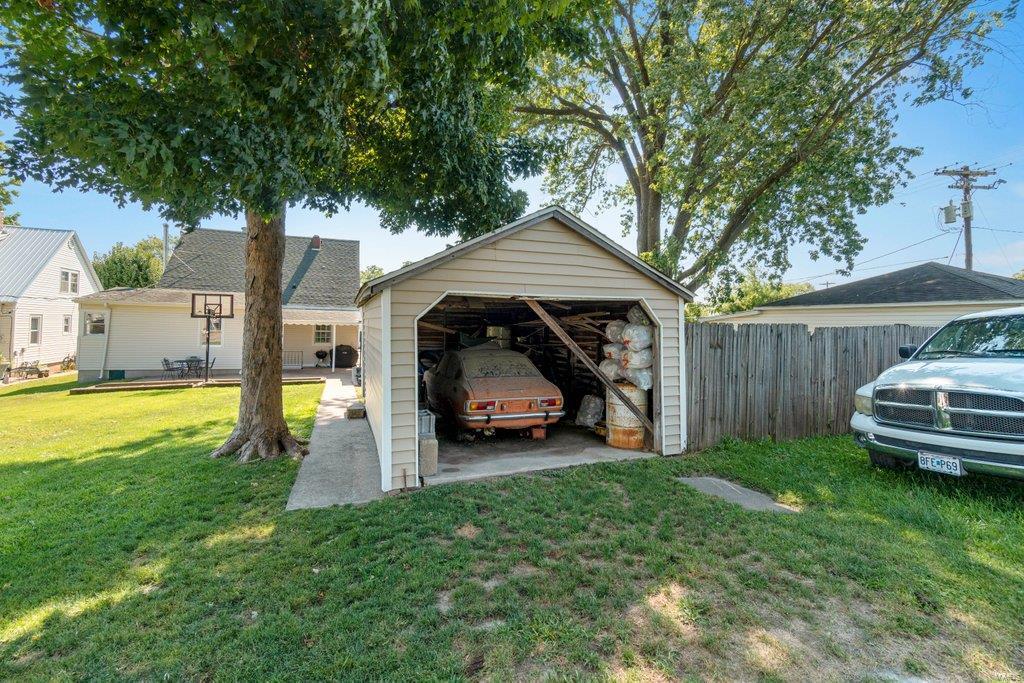 318 N West Property Photo 34