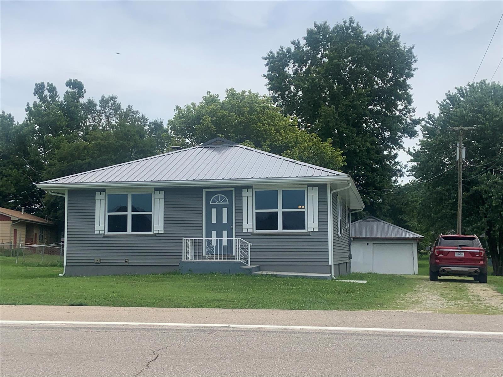 716 W Fitzgerald Avenue Property Photo