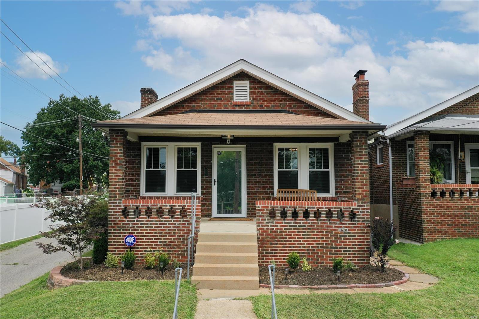 6009 Hartford Property Photo