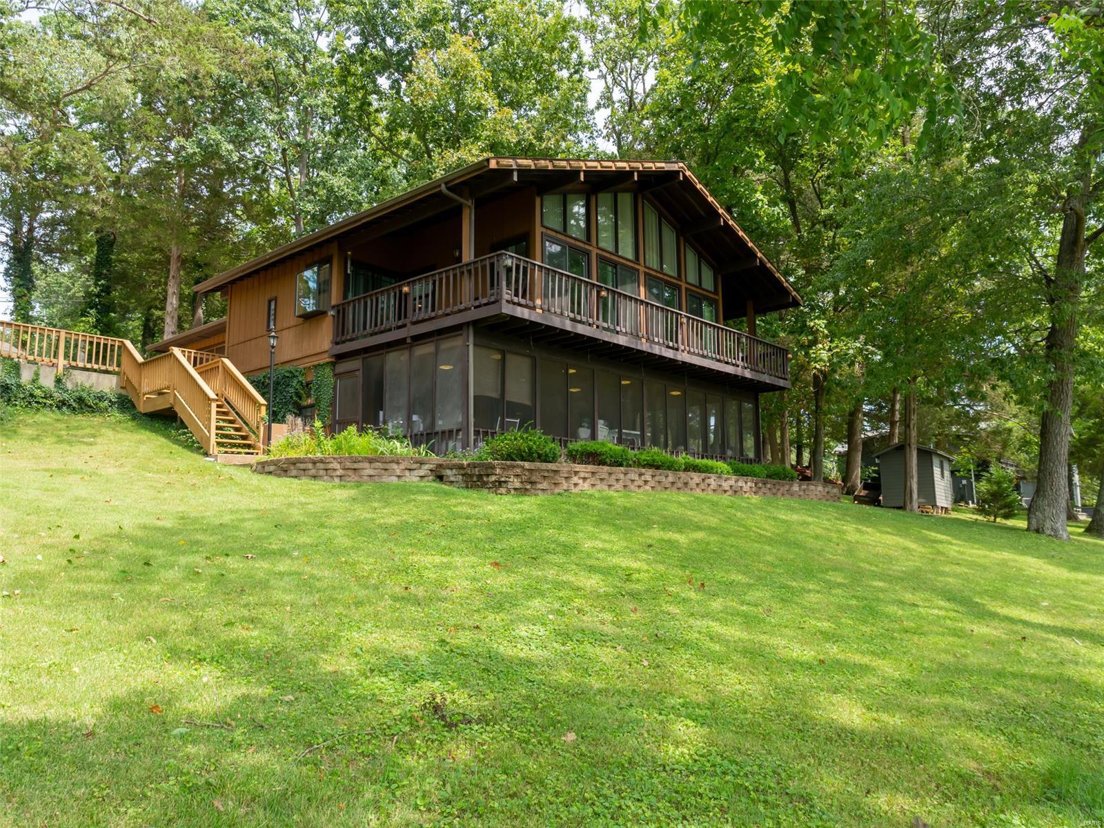 5840 N Lakeshore Drive Property Photo