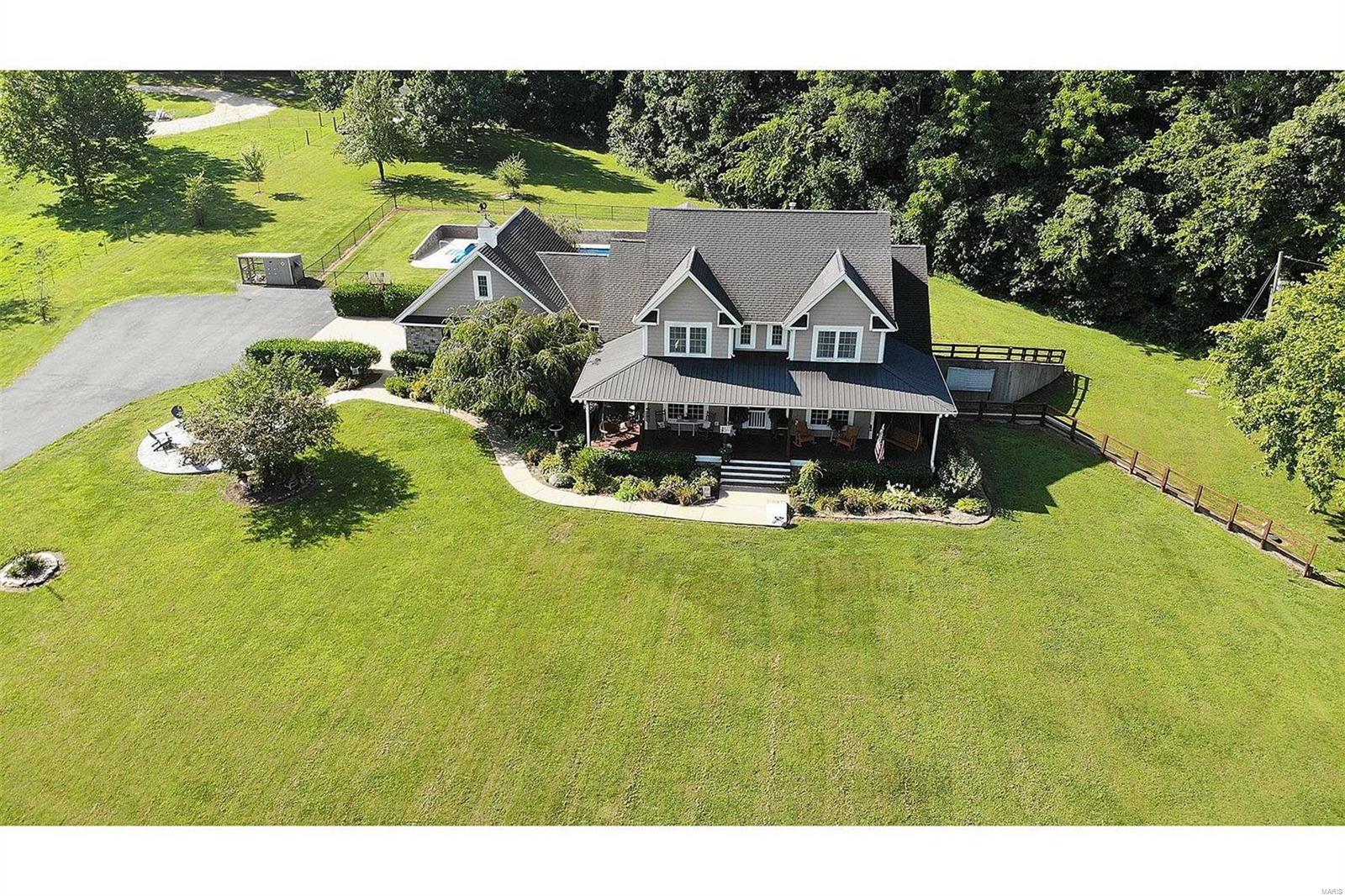 130 Meadow View Lane Property Photo 1