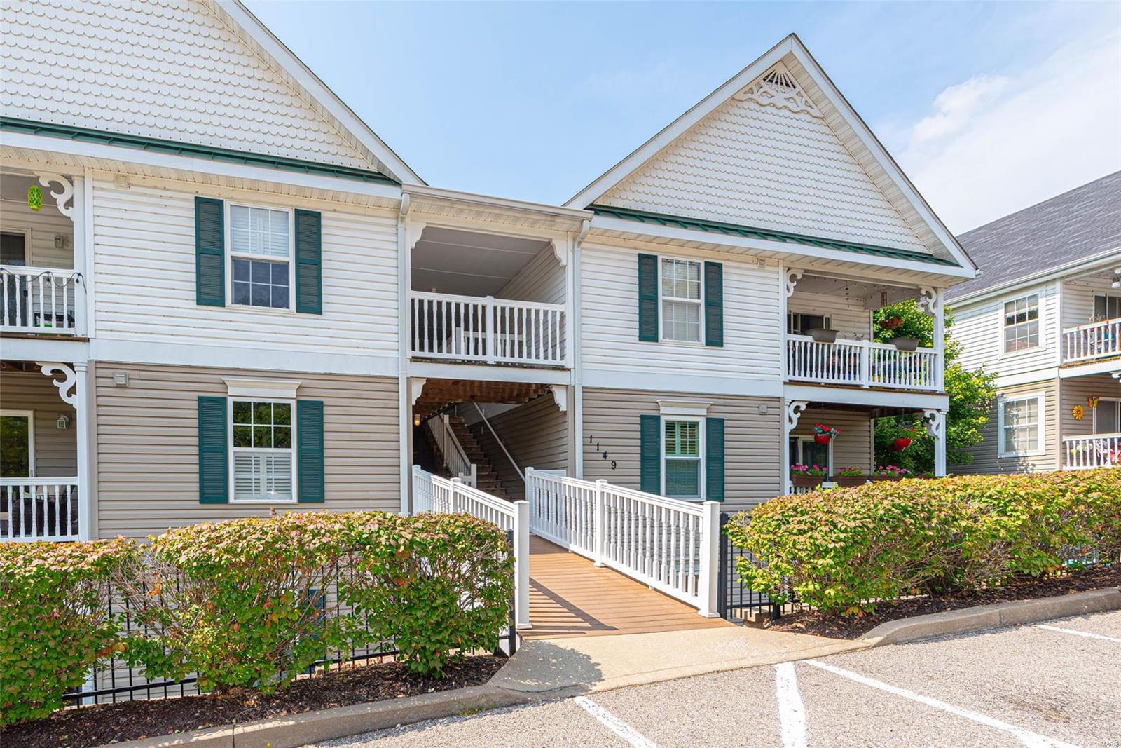 Arbor Creek Condo Eight Real Estate Listings Main Image