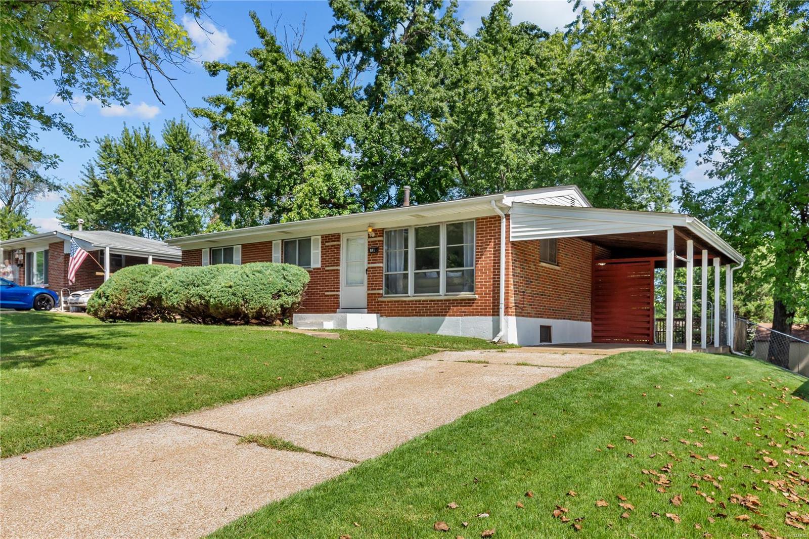 841 Riderwood Property Photo