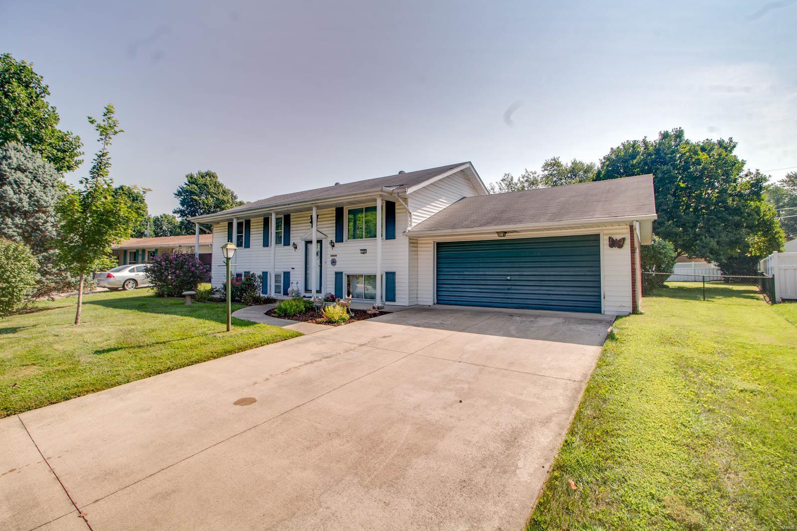 Airwood Manor Real Estate Listings Main Image