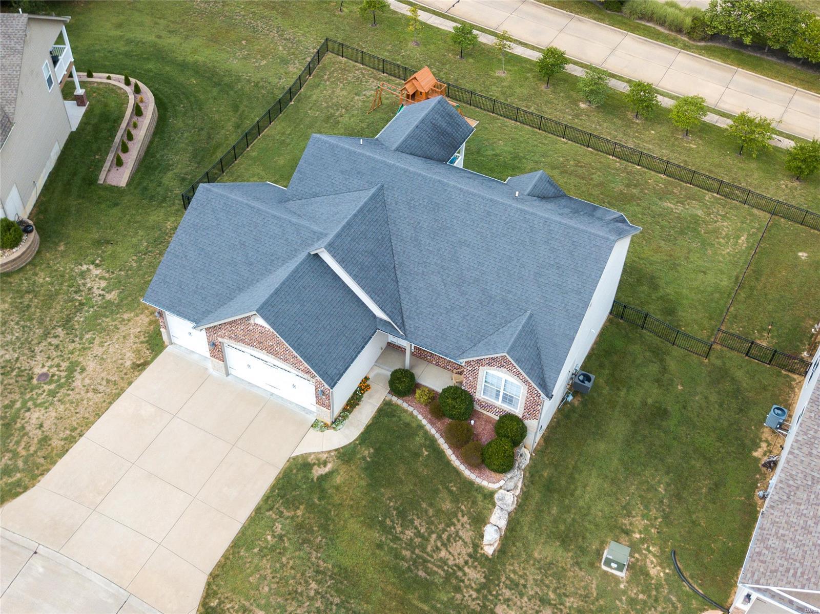 205 Sutherland Falls Ct Property Photo 3