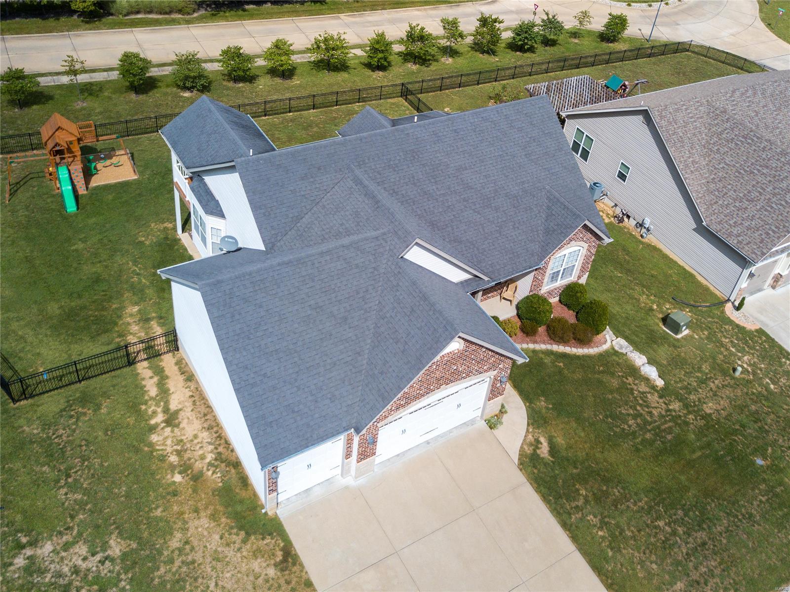 205 Sutherland Falls Ct Property Photo 4
