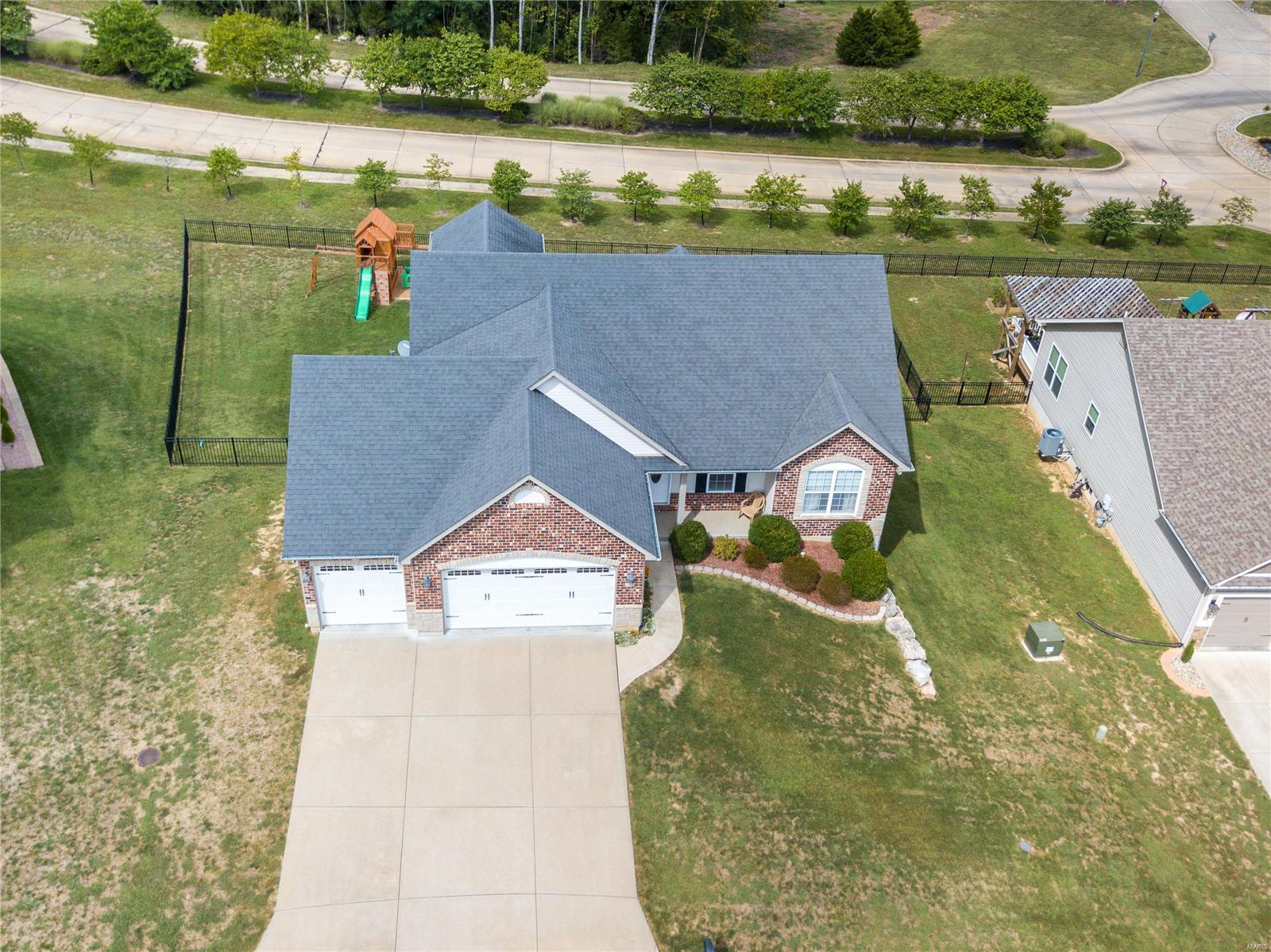 205 Sutherland Falls Ct Property Photo 32