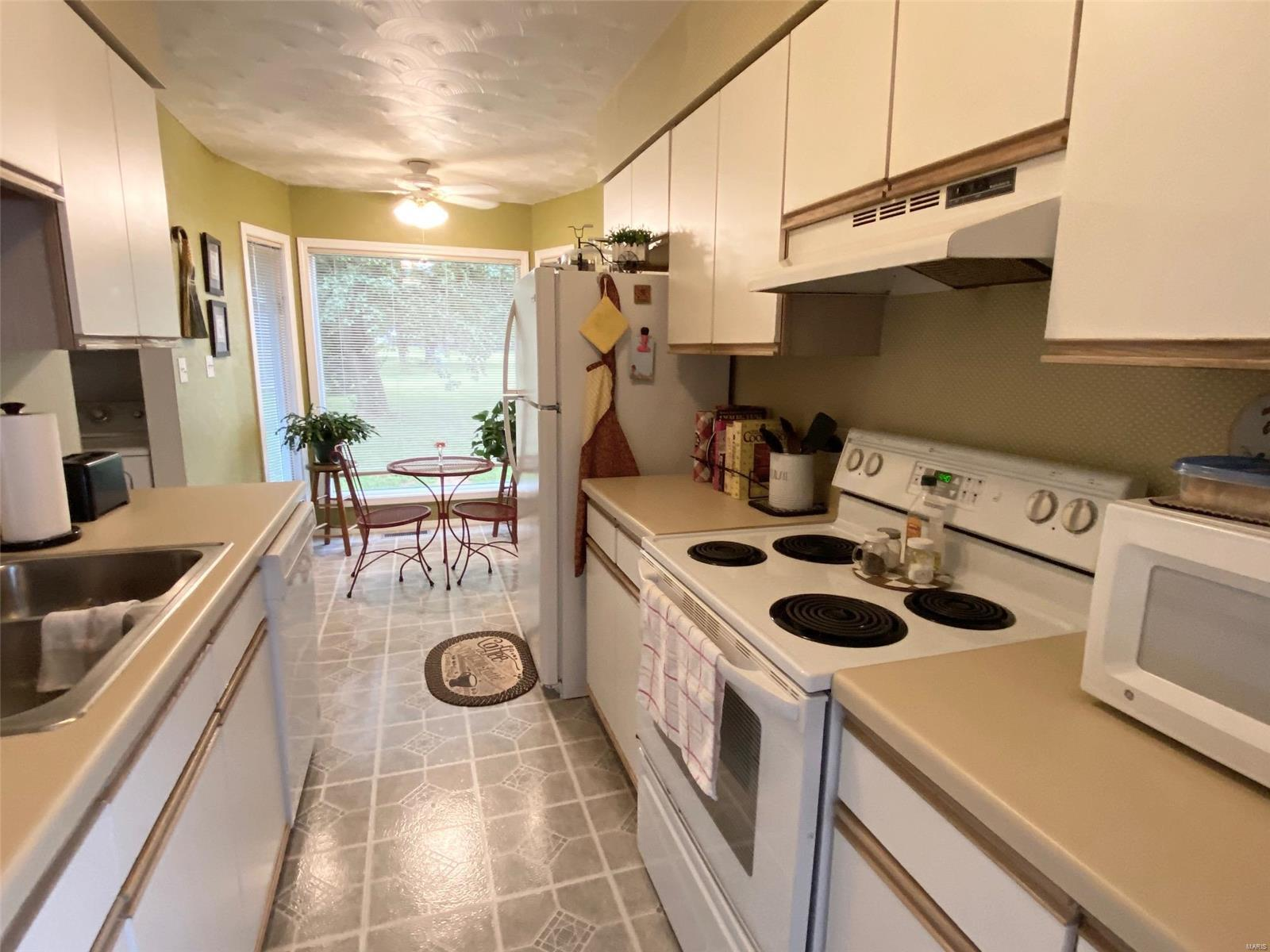 5503 Country Club Road Property Photo 6
