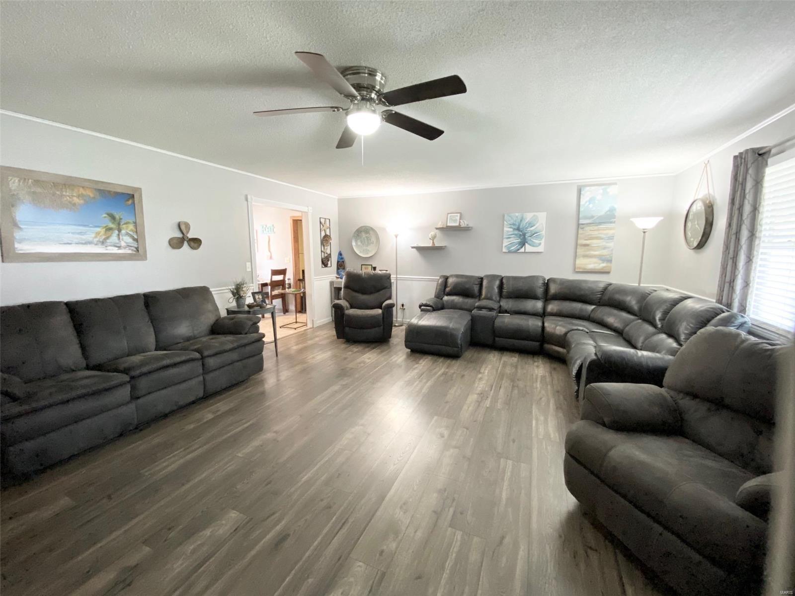301 Susan Avenue Property Photo 11