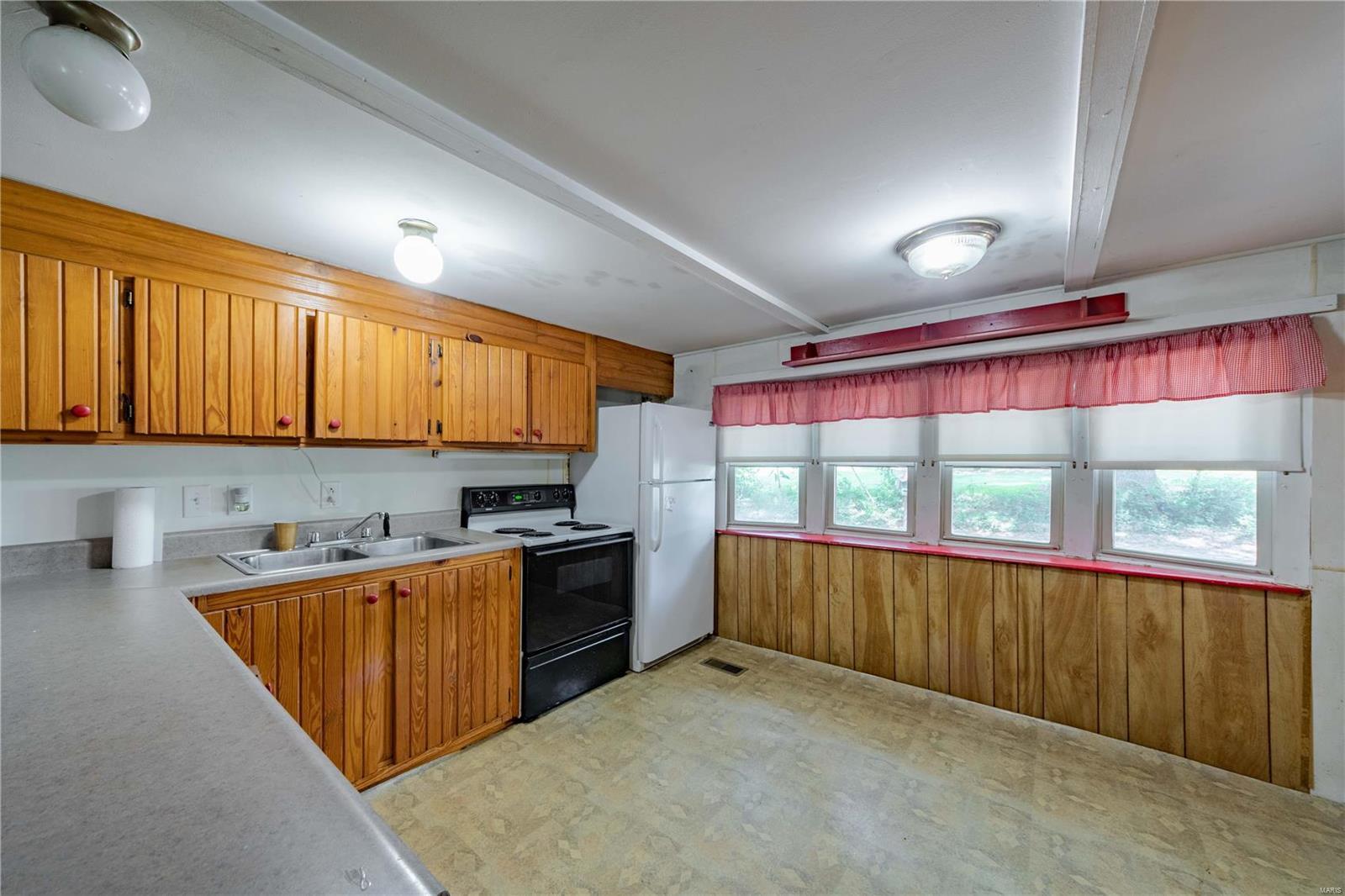 413 Barr Street Property Photo 6
