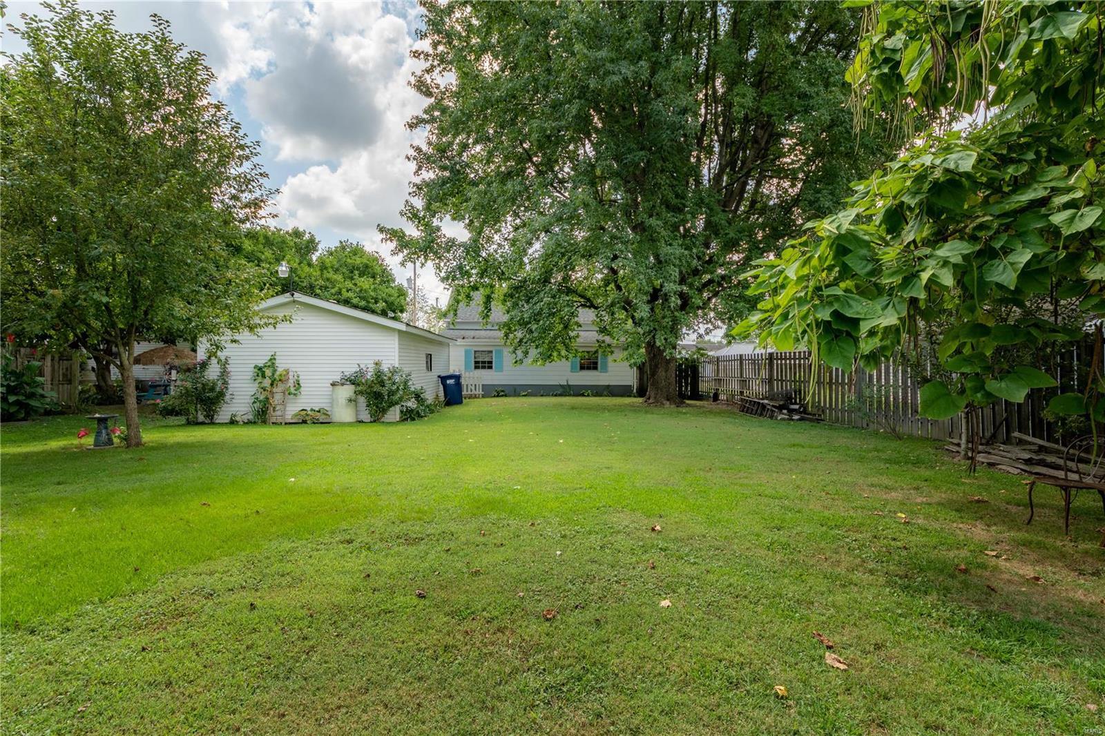 1202 E Parham Street Property Photo 3