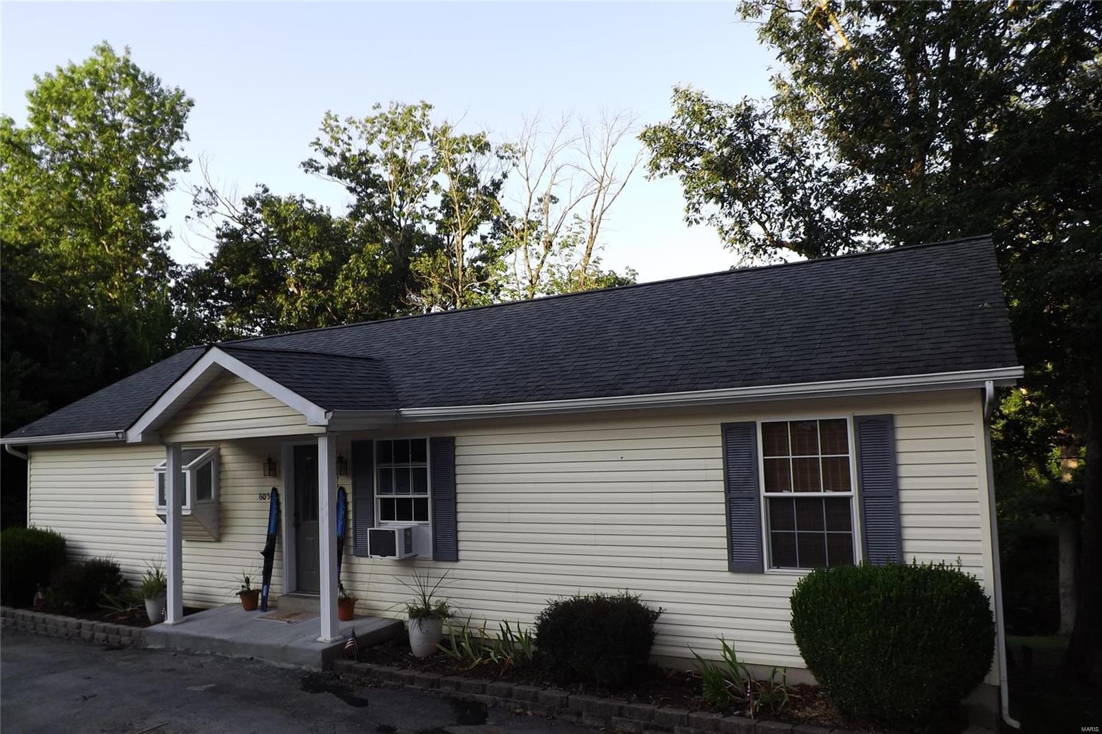 6051 S Lakeshore Drive Property Photo