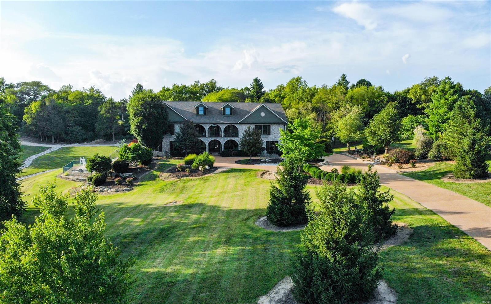 19 Lakeside Property Photo 4
