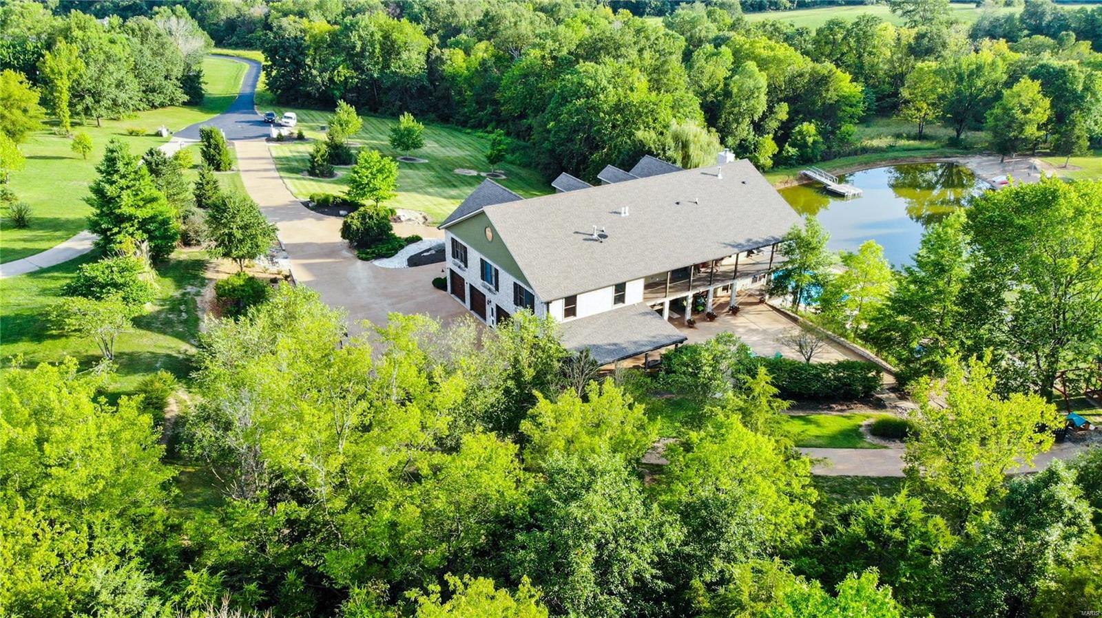 19 Lakeside Property Photo 5