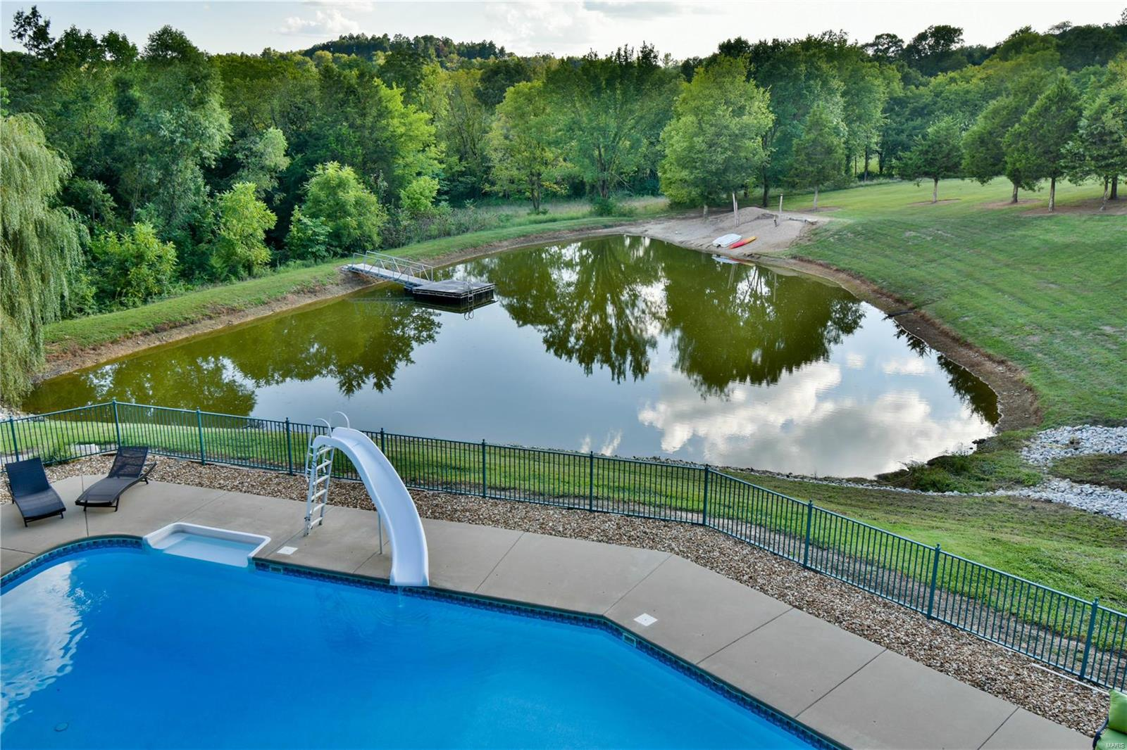 19 Lakeside Property Photo 6