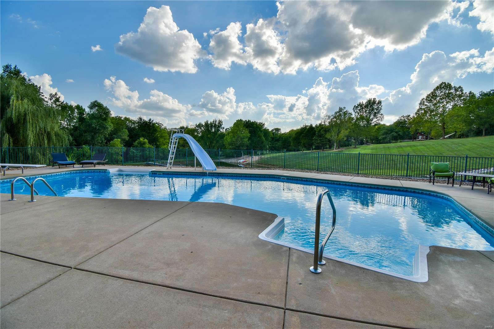 19 Lakeside Property Photo 7