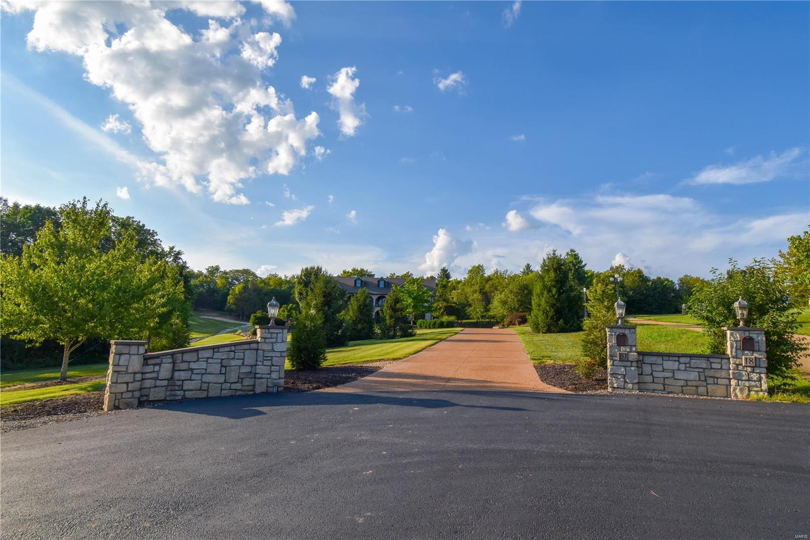 19 Lakeside Property Photo 10