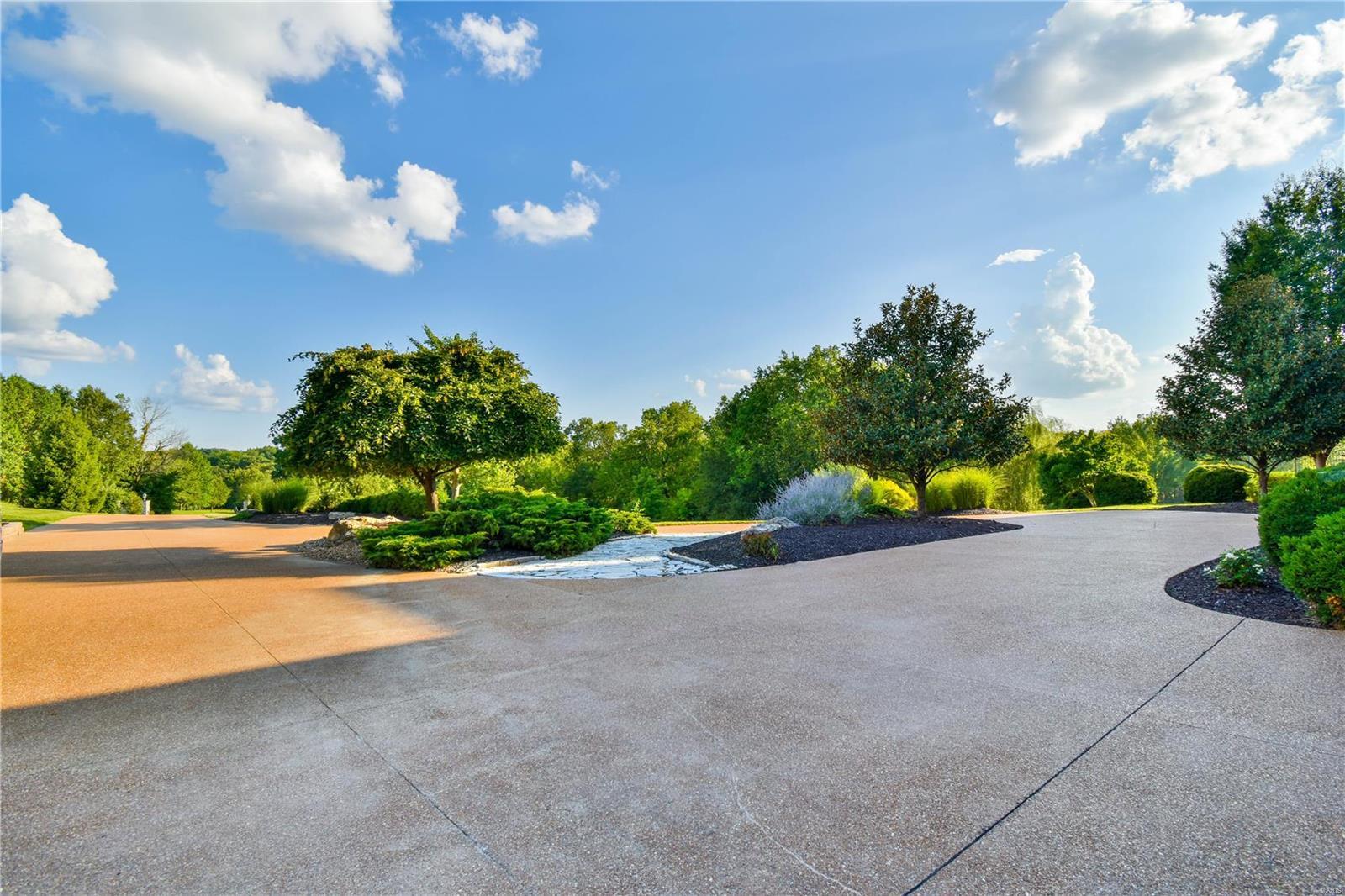 19 Lakeside Property Photo 11