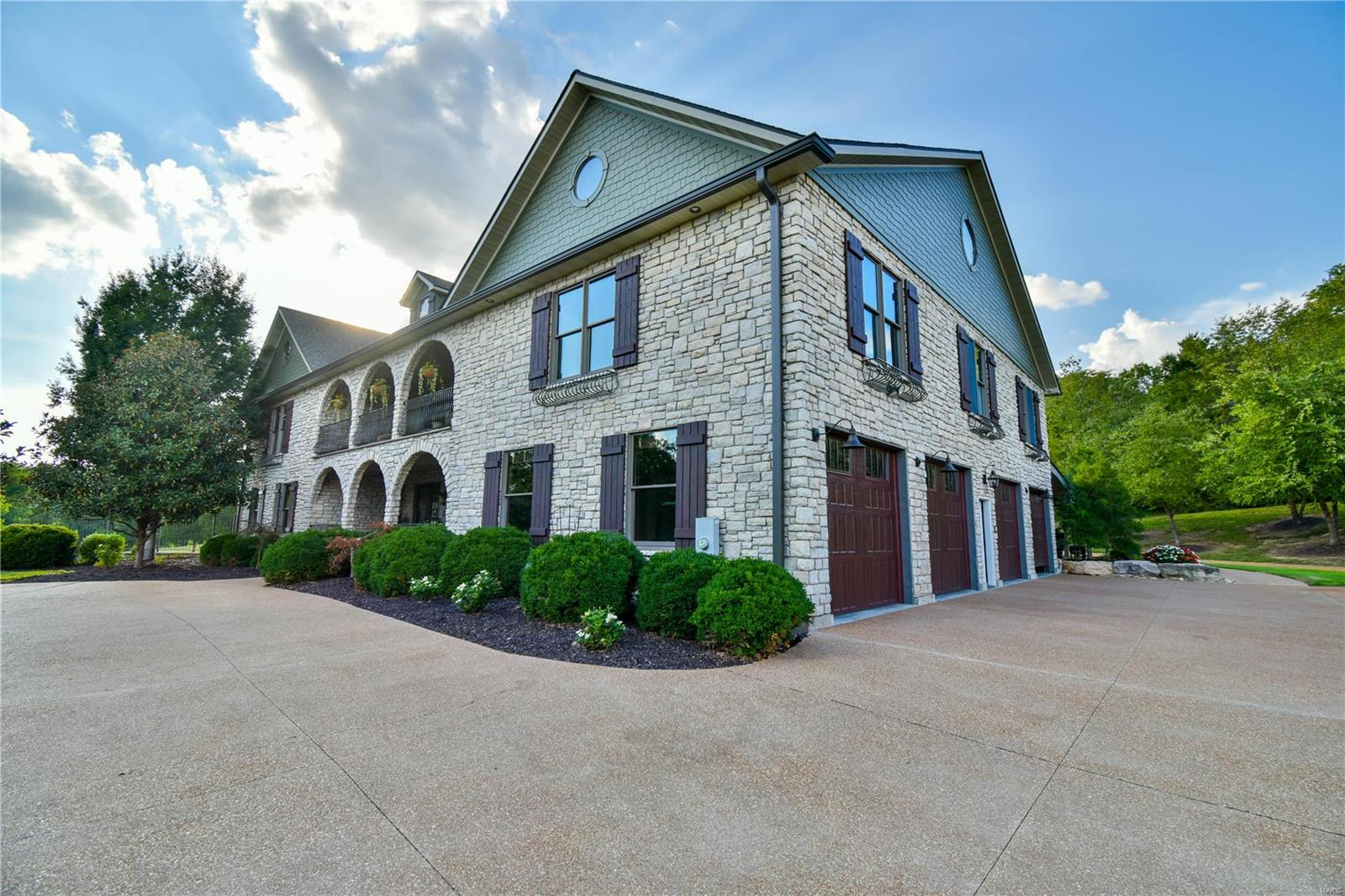 19 Lakeside Property Photo 13