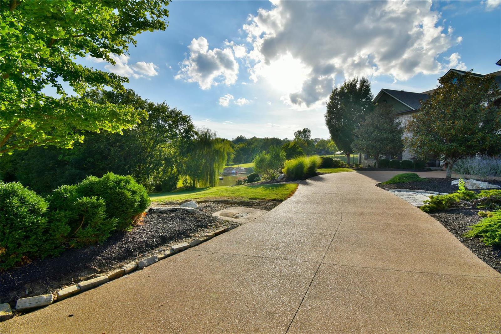 19 Lakeside Property Photo 15