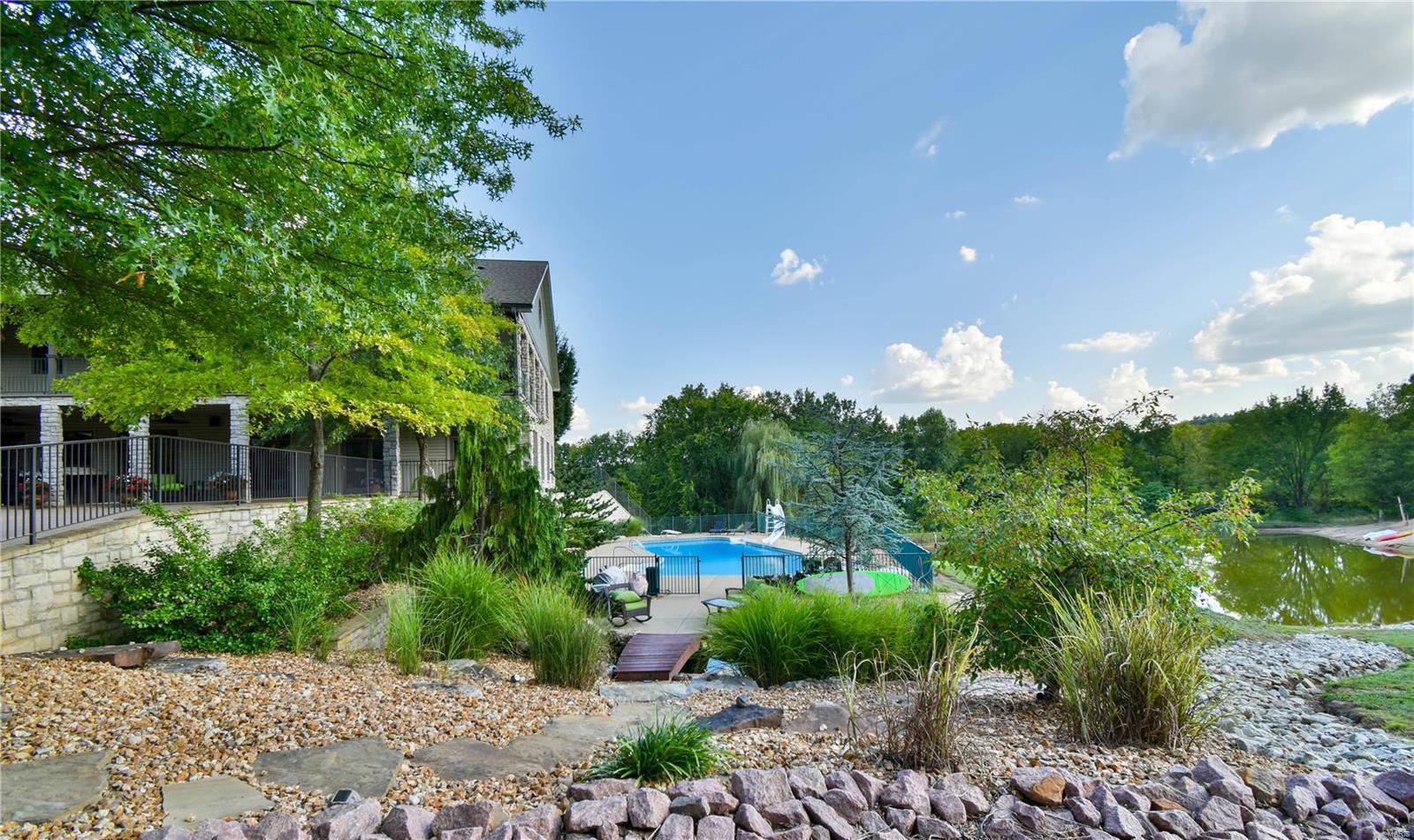 19 Lakeside Property Photo 16