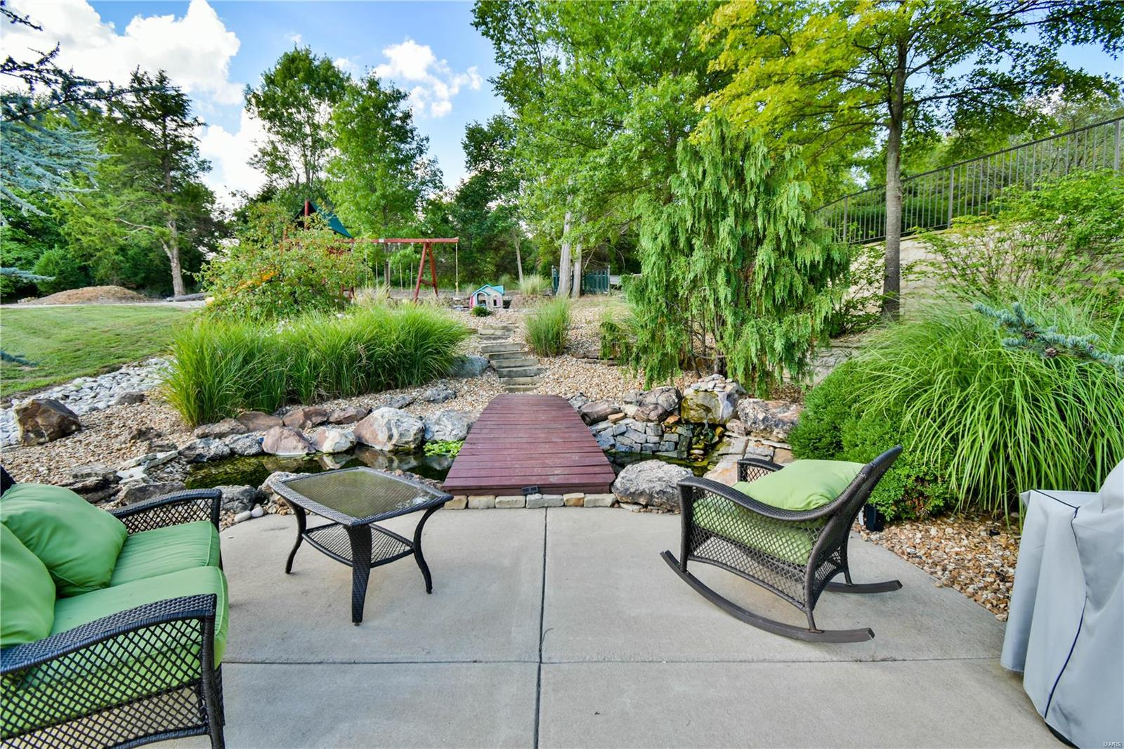 19 Lakeside Property Photo 18