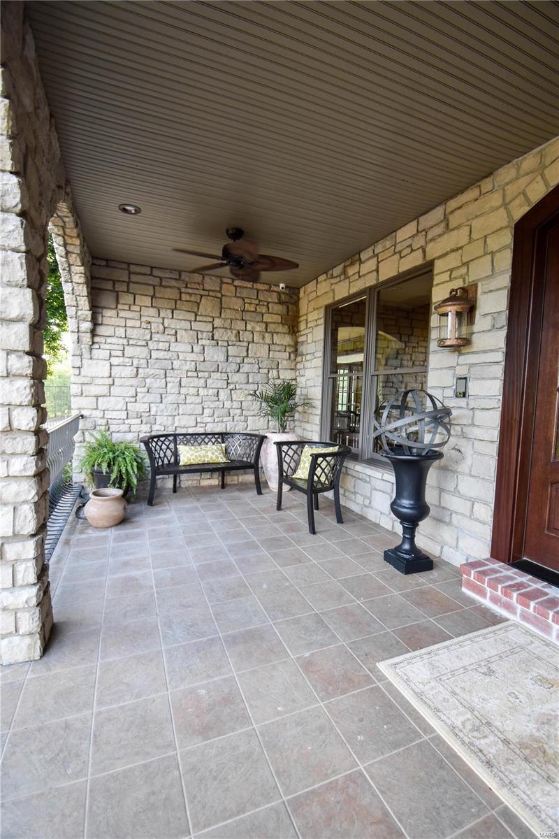 19 Lakeside Property Photo 23