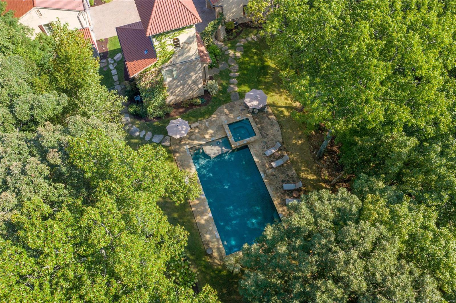 1042 Wings Road Property Photo 8
