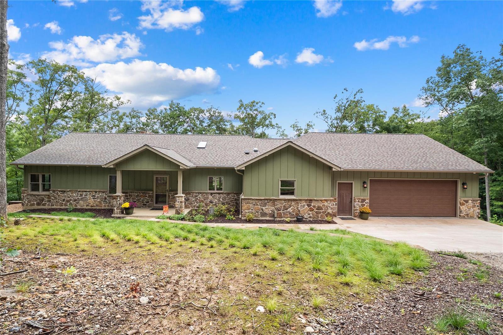 13119 Lakeview Drive Property Photo 1
