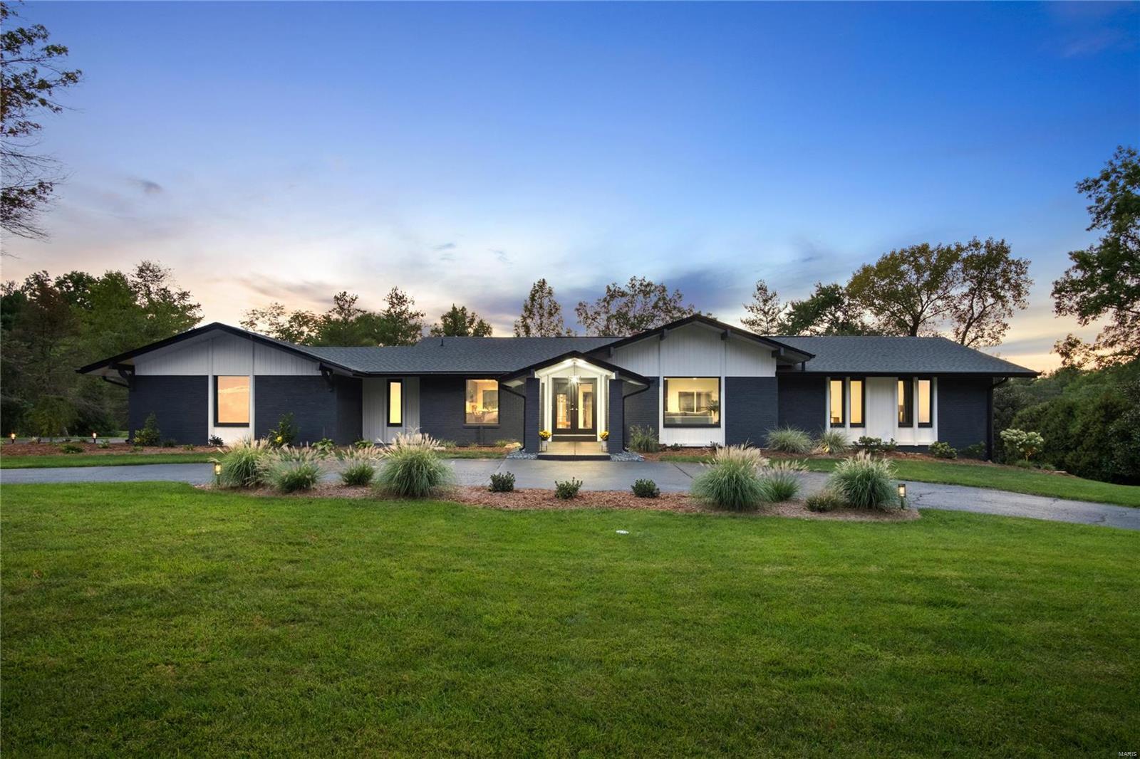 359 Pebble Acres Drive Property Photo 1