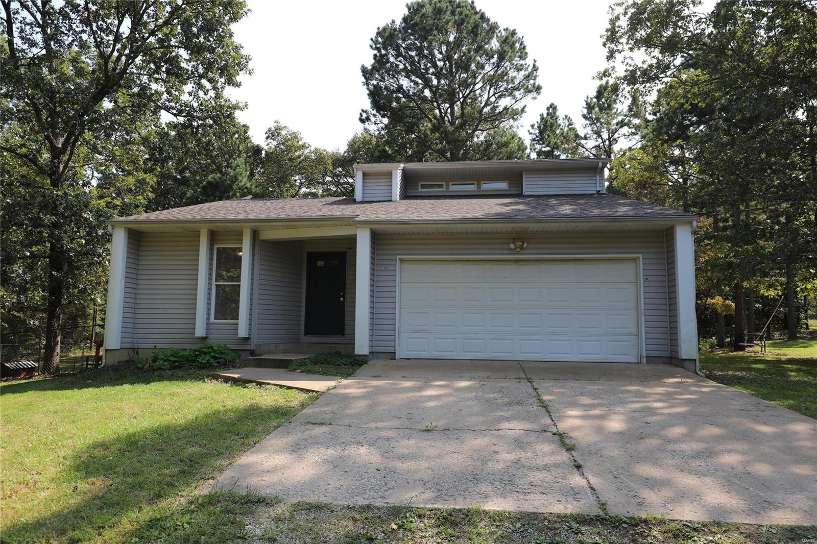 9242 Highway T Property Photo 1