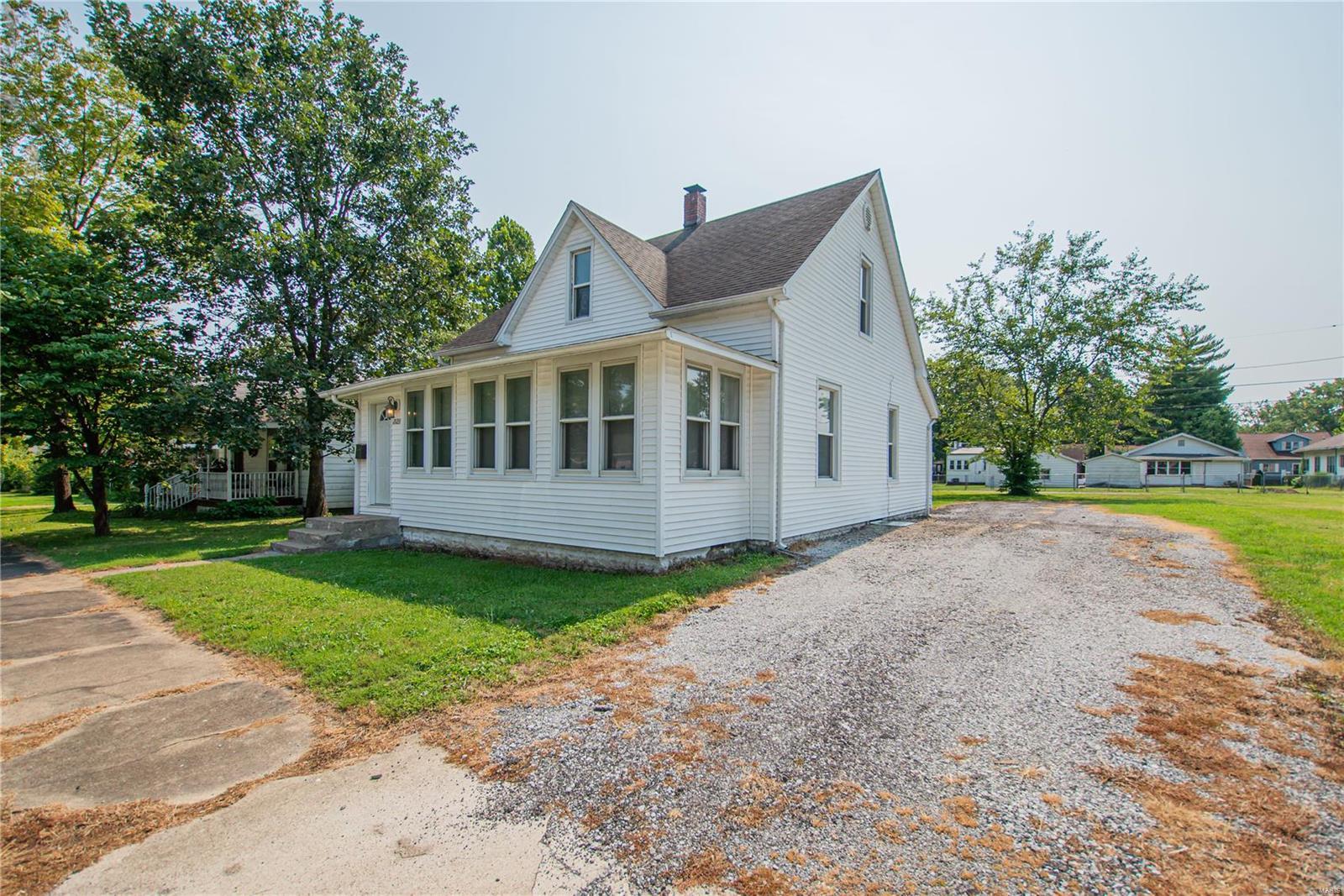 2123 Clarke Street Property Photo 3