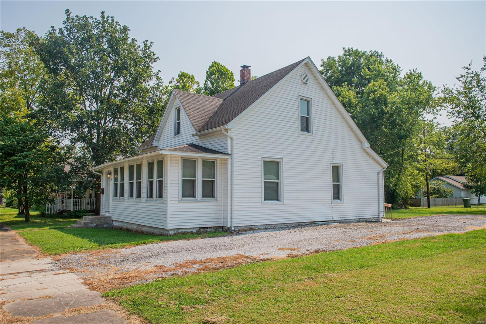 2123 Clarke Street Property Photo 4