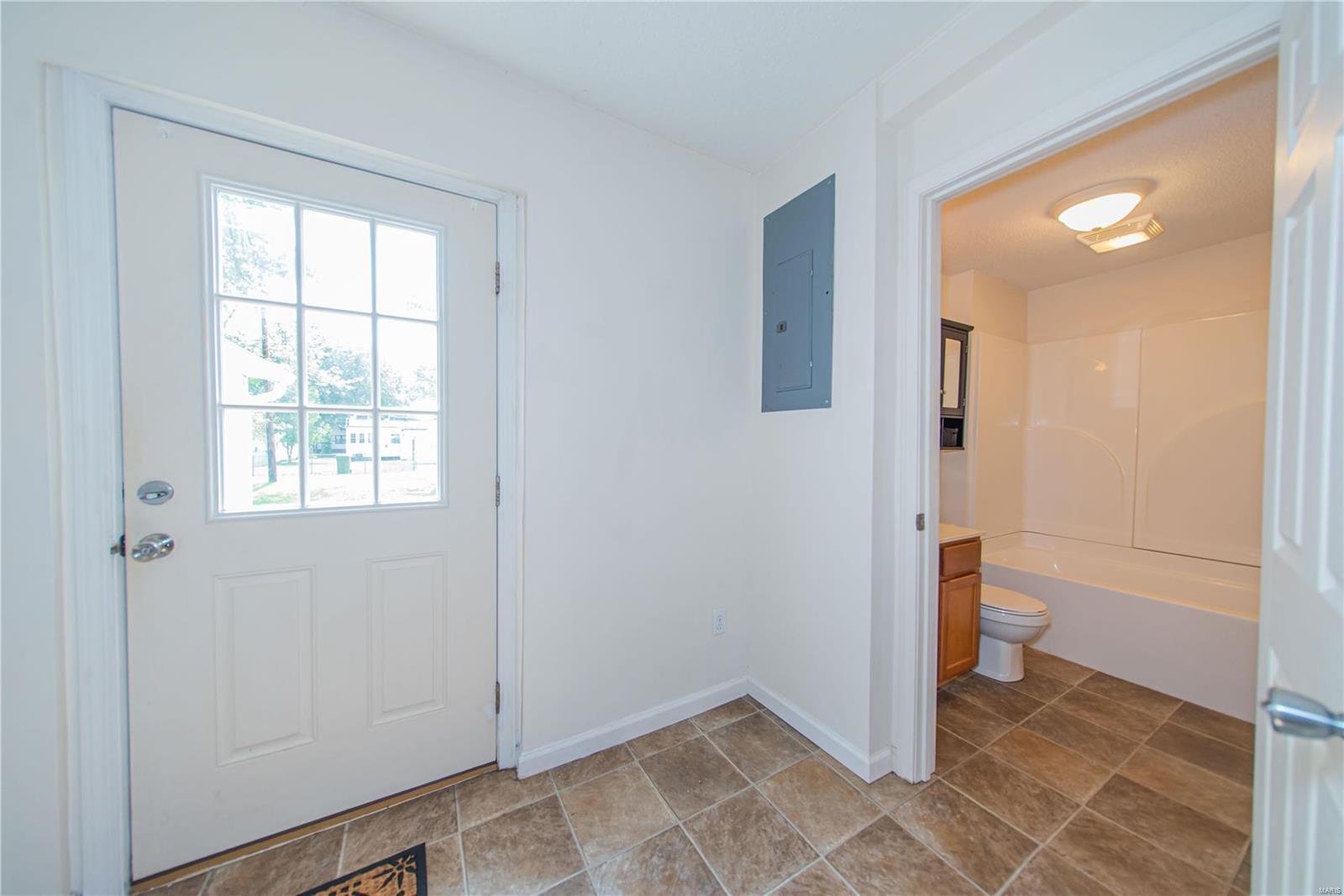 2123 Clarke Street Property Photo 14