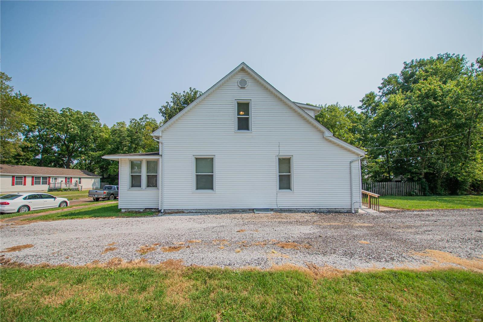 2123 Clarke Street Property Photo 27