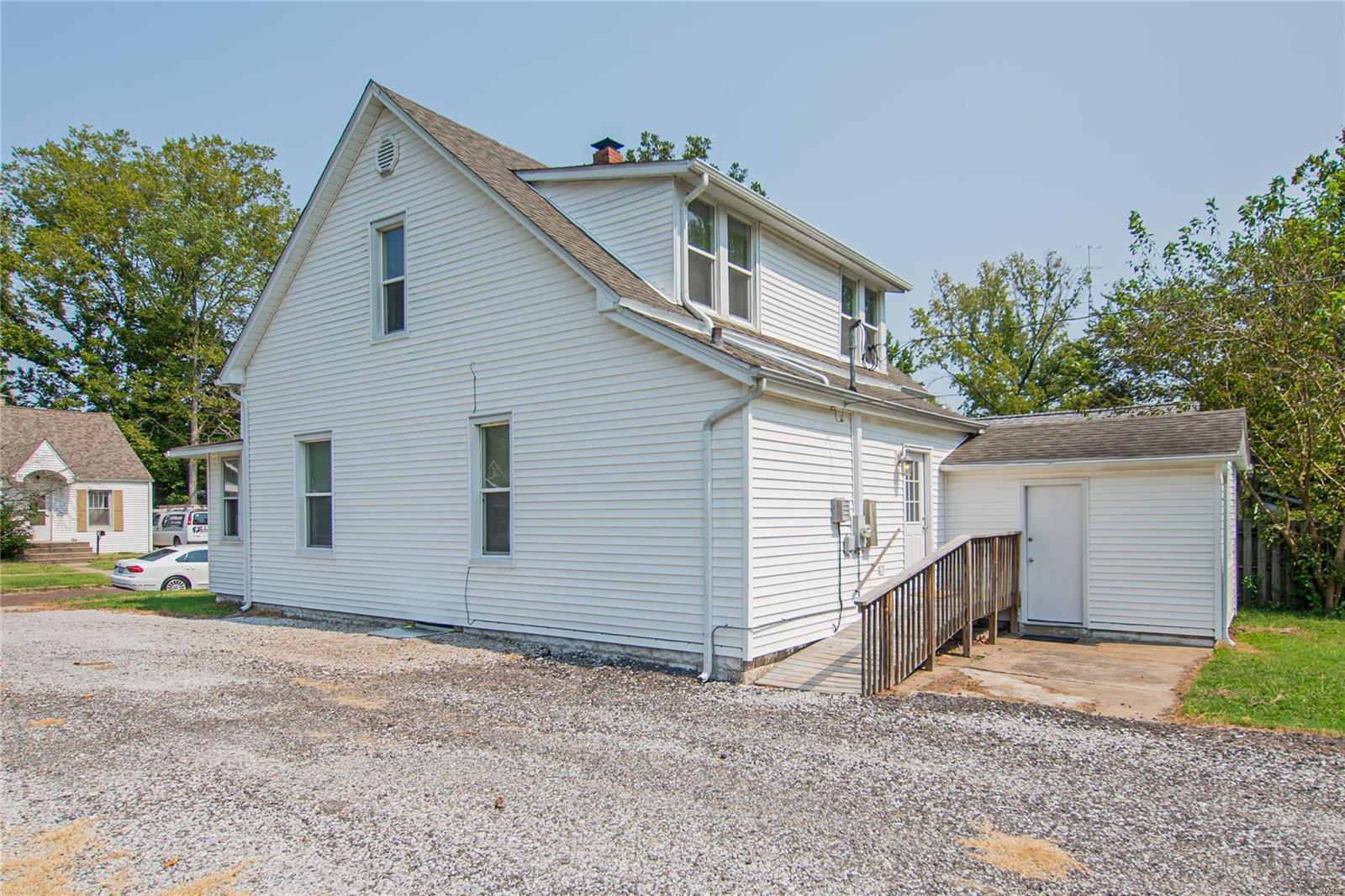 2123 Clarke Street Property Photo 28